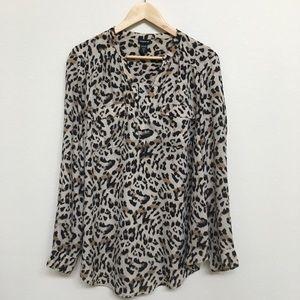 Torrid 2 Long Sleeves Pocket Shirt Leopard Print